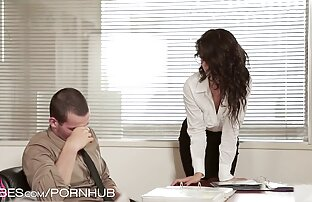 مربی برای رانندگی یک دختر چاق عکس سکسی چکور به فاک کمک می کند.