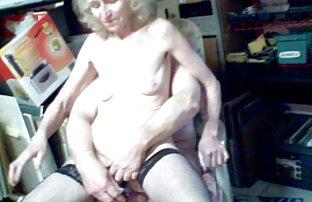 ساشا گری در چکمه های بلند دنلود فیلم سیکسی که خودش را صدا می کند