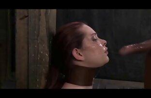 کودک بلوند با خروس بین پاهایش دانلود فیلم سوپر از سایت شهوانی سرگیجه را سرخ می کند