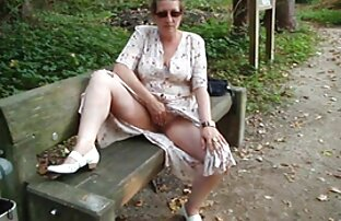 زیبایی بیکینی جوان الاغ زرق و برق دار و بیدمشک مودار را کانال موبوگرام سکسی نشان می دهد